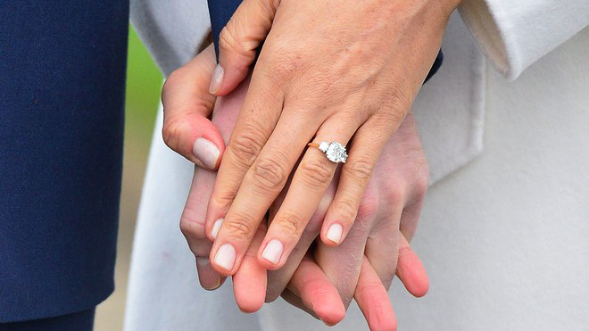 Το μονόπετρο δαχτυλίδι με διαμάντι της Meghan Markle